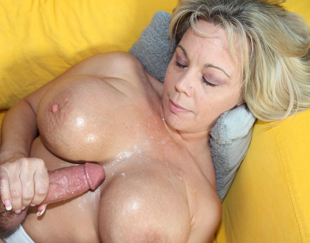 Nude woman hips spread
